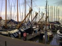 Volendam, Harbor